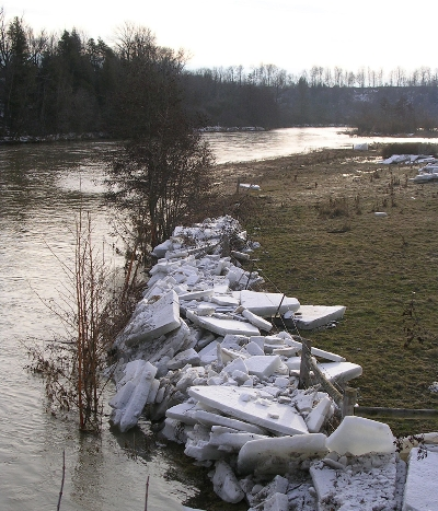 Permanent fencing is not an option for areas prone to ice floes.